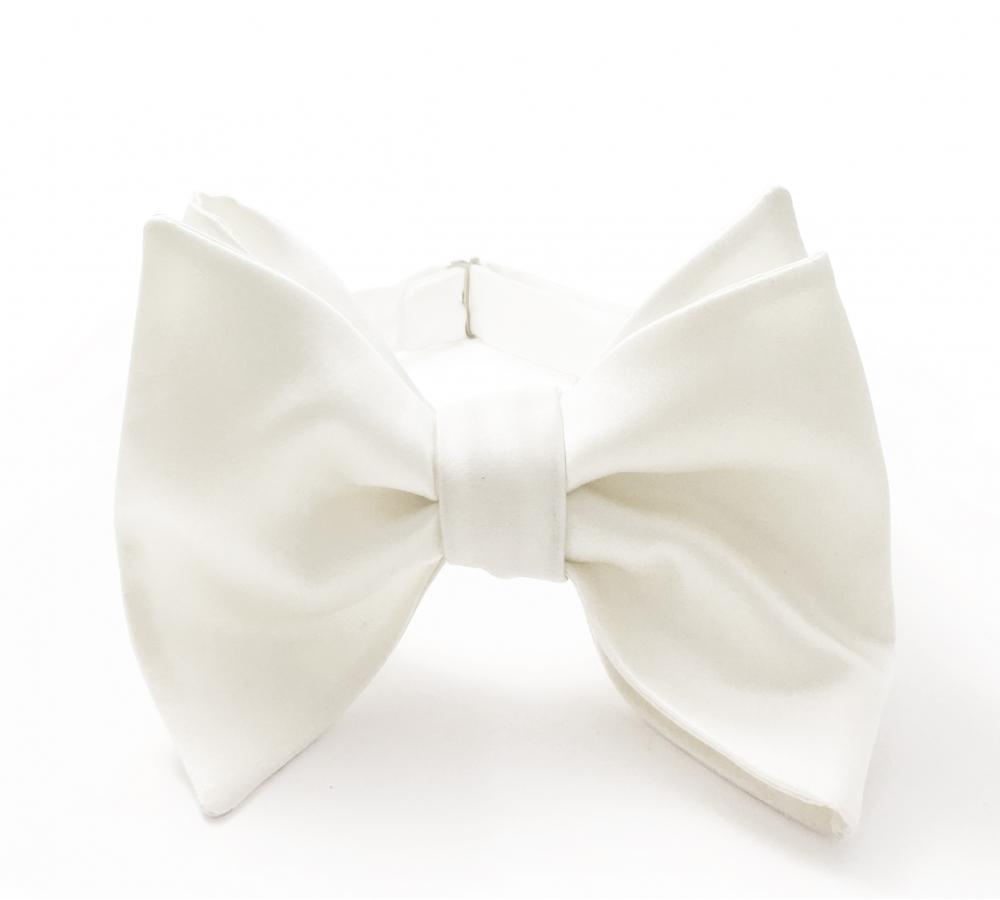 Белая галстук-бабочка №4, шелк